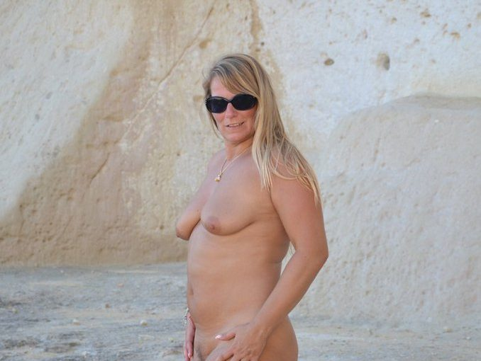 Nudist Mum in all her naked glory on the beach
